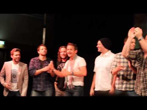 """[VIDEO] Jensen singing """"Carry On My Wayward Son"""" At JibCon2013.  Now my life is complete :)"""
