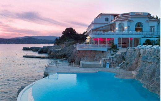 Hotel du Cap.: Pools Pictures, Overlook Bays, Cap Eden Roc, Cap Edenroc, Head Of Garlic, Swim Pools, The Capedenroc, Hotels Du, Awesome Pools