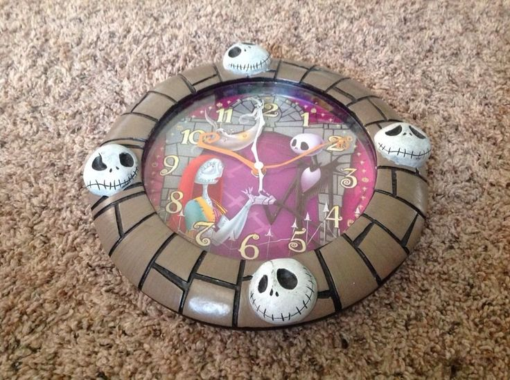 TWAS THE NIGHTMARE BEFORE XMAS Wall Clock - Not Working