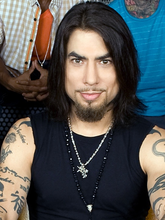 Dave Navarro...yum! This is who I see as Gideon Cross !