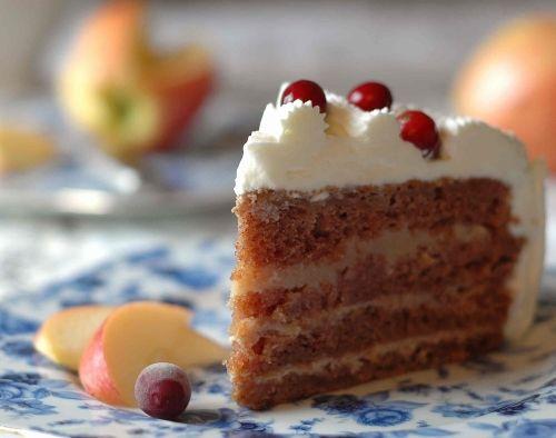 Jabłkowo-karmelowy tort