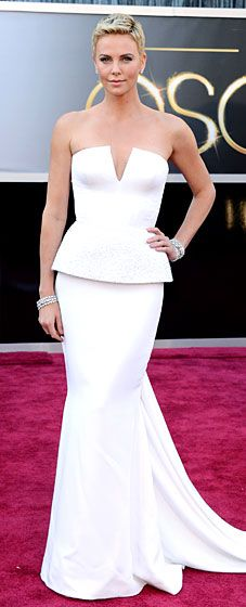 Charlize Theron rocked a Dior Haute Couture dress and Harry Winston jewels at the 2013 Oscars