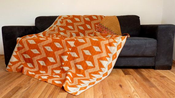 Throw Quilt Kantha vintage en Orange brûlé par LiveLoveSmile