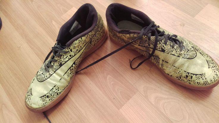 Nike Sneaker Schuhe Gr. 45.5 .schwarz / gelb . gay