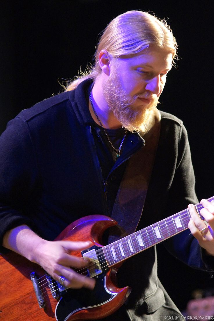 Derek Trucks from the Tedeschi Trucks Band 2014 ~ Great Pic of DT laying down the law.