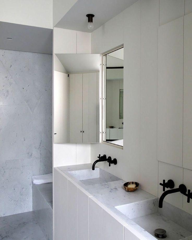 marmor waschbecken schwarze badezimmer armaturen dusche ...