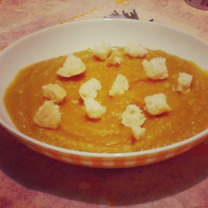 Vellutata di zucca al curry senza glutine