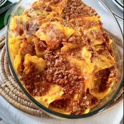 Foto della ricetta: Ravioli di carne con sugo alla bolognese