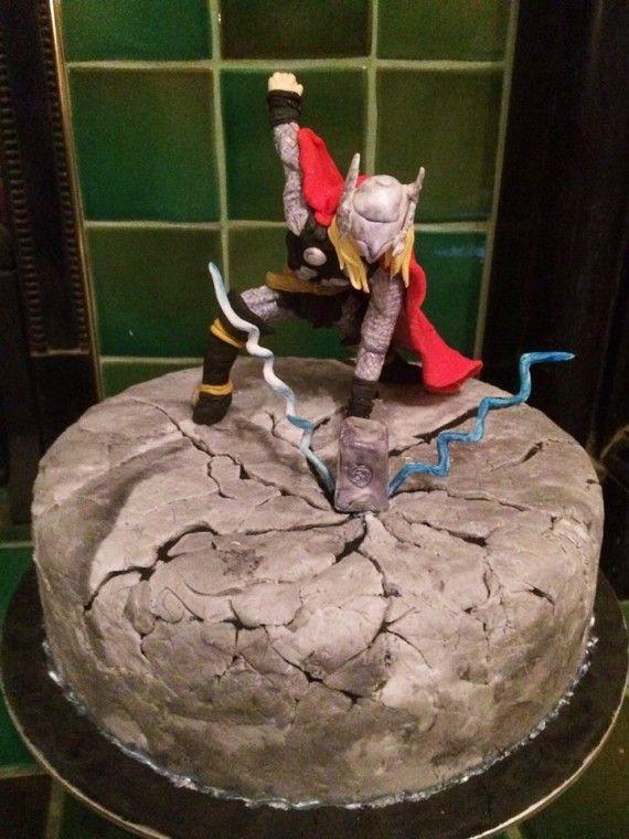 Les plus beaux gâteaux geeks - Thor