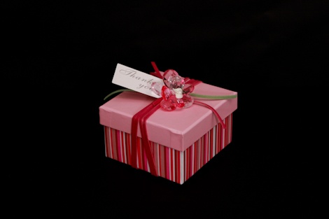 Check out this exquisite solid #gift #box, in a wonderful ultra- modern pink stripy design which makes a pretty  #wedding #favour #personalized with a #tag.£2.50