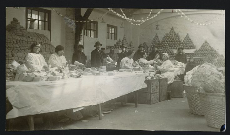 Polish Jews prepare JDC Passover food packages for the needy in Warsaw, 1922.