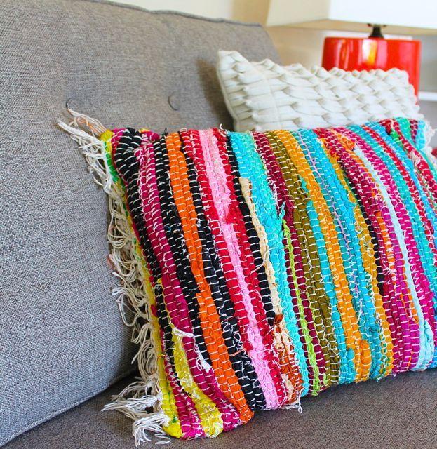 poppy haus: DIY Friday: Rag Rug Pillow