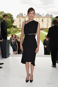 Марион Котийяр в платье от Dior