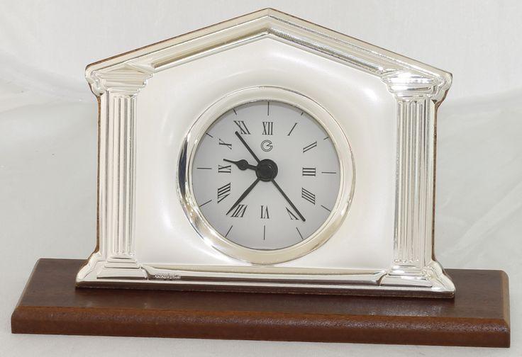 Reloj de sobremesa de madera y plata 925, peana de madera, inclinado, 16 x 14 cm.