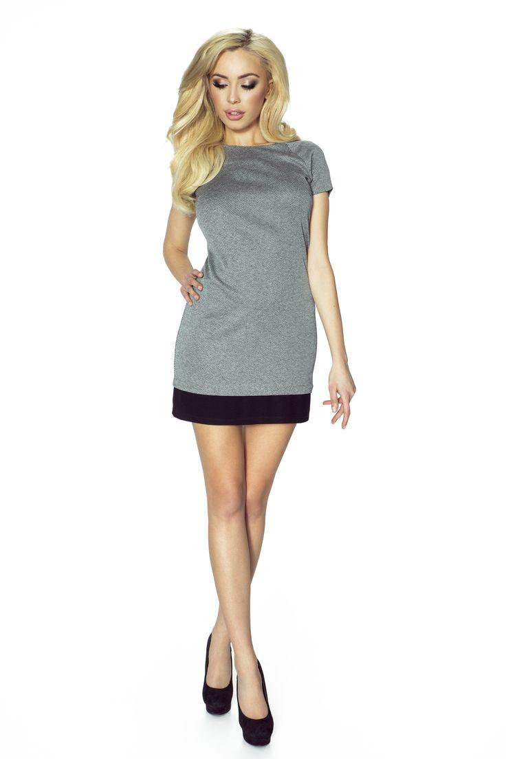 Sukienka w drobną kratkę kolor czarno-biały, Zuri
