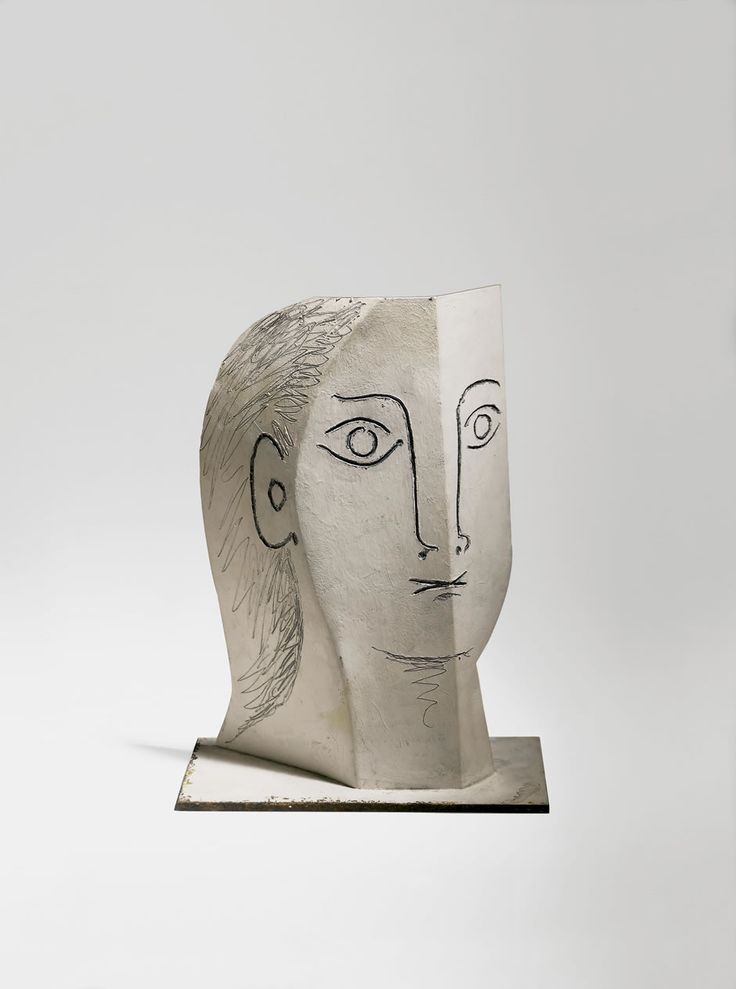 TÊTE DE FEMME, 1961 Head of a Woman Painted sheet metal, cut out, folded, and incised, 28 x 21 x 9.5 cm Photo: Peter Schibli, Basel