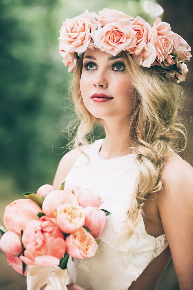 Peach Rose Flower Crown and Peony Bouquet | Peach Woodland Wedding Inspiration | Faux Flower Accessories From Florrie And Eve | Real Flowers By Nadia di Tullio | Images by HBA Photography | x | http://www.rockmywedding.co.uk/perfect-faux-flower-crowns-from-florrie-eve/