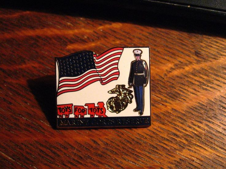 Toys For Tots Pin - USMC United States Marine Corps Reserve USA Flag Military