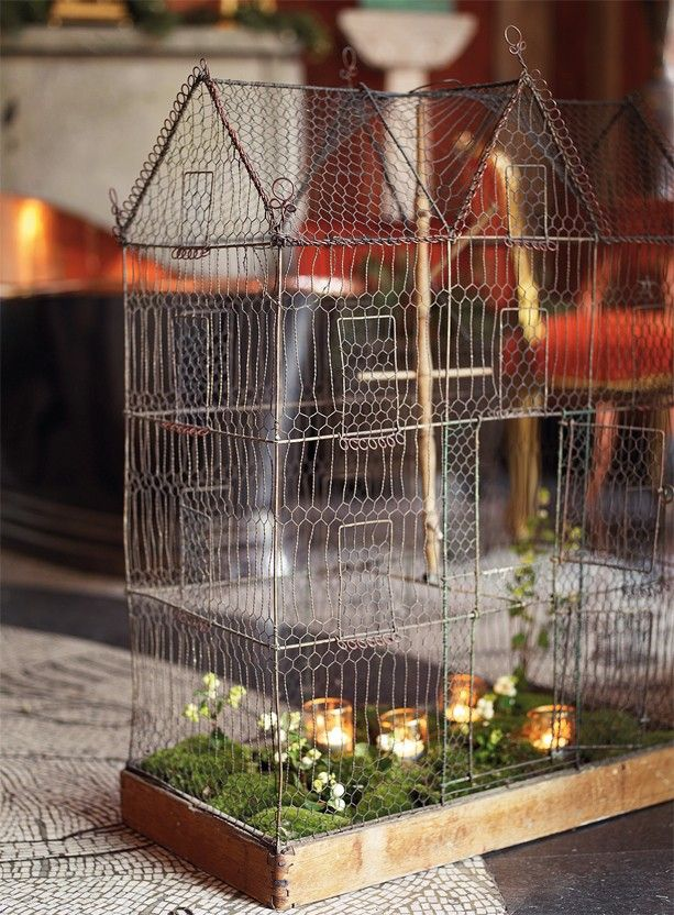 What a great piece of artwork. Fabulous beautiful. Birdcage with towers and pinnacles of chicken wire. The cage is manufactured in Sweden around 1890, 6500 SEK, Sjostrom Antique.