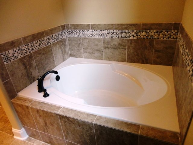 25 best ideas about tub tile on pinterest gray and Best way to tile around a bath