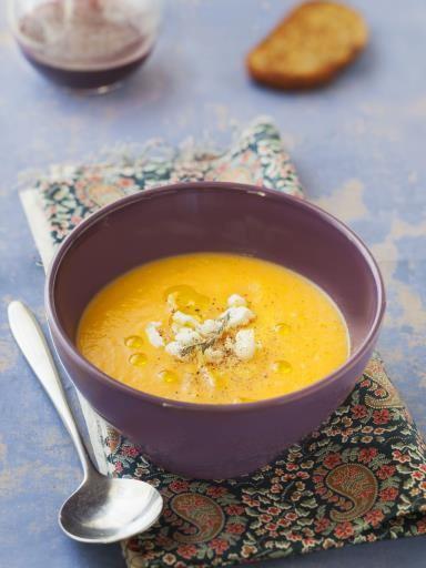La soupe du lundi soir (potiron - curry - chèvre) - Recette de cuisine Marmiton : une recette
