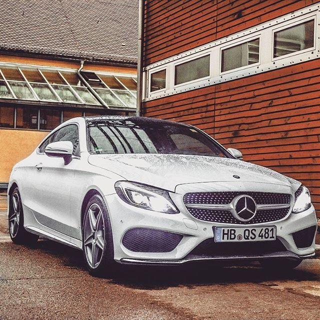 Mercedes-Benz C 250 Coupé (Instagram @lifeof_lebraun)