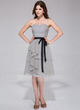 A-Line/Princess Sweetheart Knee-Length Chiffon Bridesmaid Dress With Ruffle Sash (007028105) - JJsHouse (short)