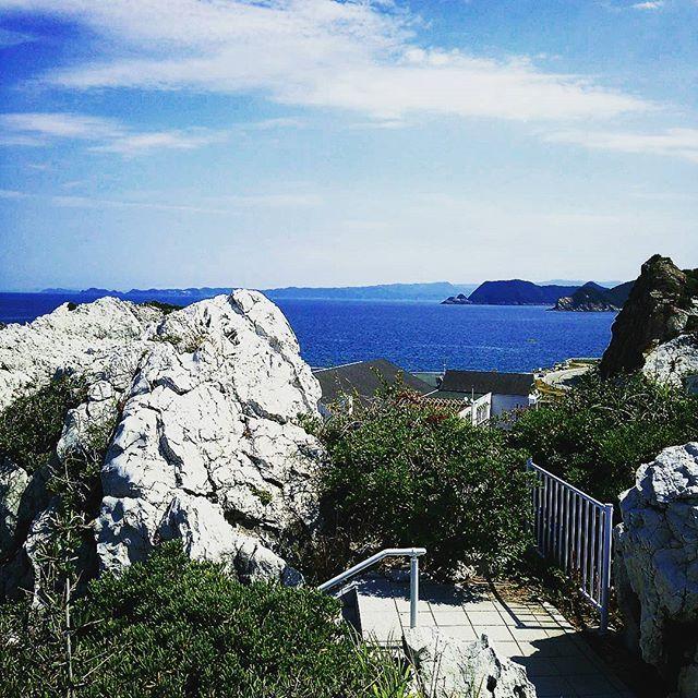 【medecin70】さんのInstagramをピンしています。 《展望台から有田、和歌山方面 #和歌山県 #日高郡 #由良町 #白崎海岸 #白崎海洋公園 #海 #夏 #wakayama #hidaka #yura #shirasaki #shirasakimarinepark #sea #seaside #marine #summer #tagsforlikes #instagood #instafollow #instagram #instagramjapan》