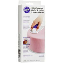A must-have tool for creating a beautiful, smooth surface on your fondant-covered cakes, this easy-to-use smoother comes with a tall, contoured handle that gives you more space to grasp. The softly ro