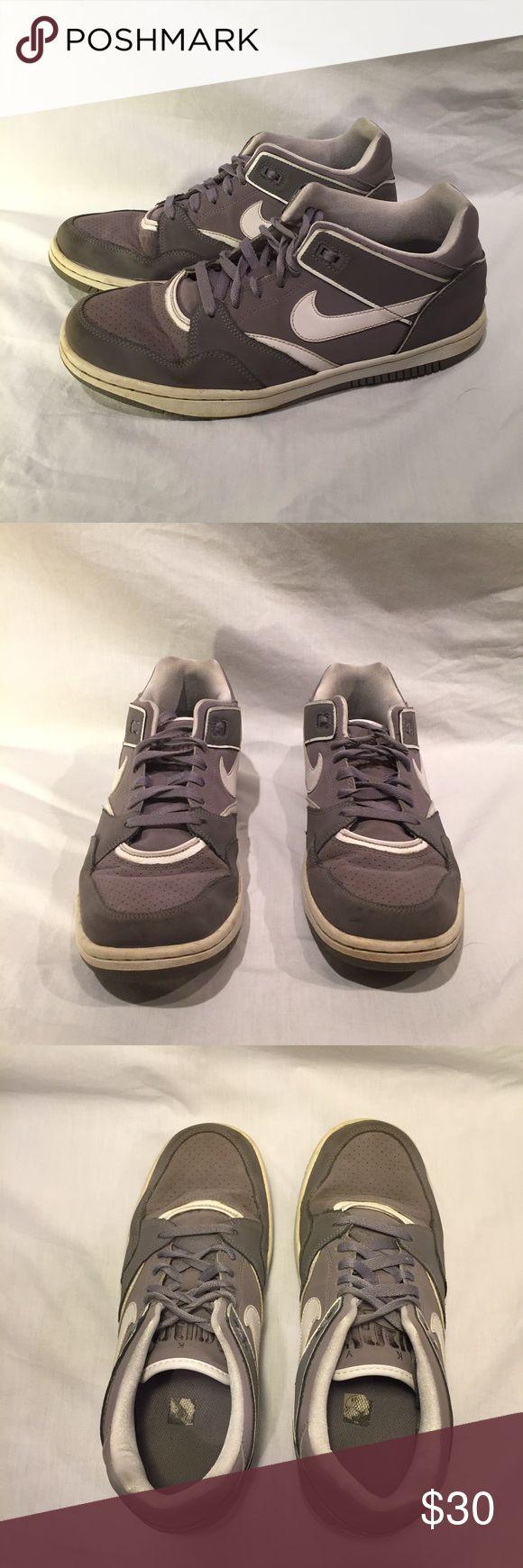 Men's Nike sneakers Selling boyfriend's sneakers. Nike basketball shoes. Gently worn. Nike Shoes Athletic Shoes