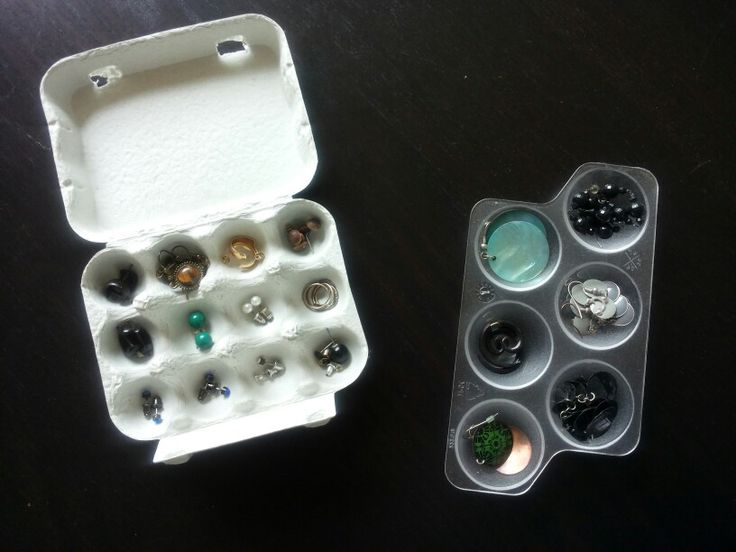 Oorbellen opbergen in (mini)eierdoosjes of in koelkast-eihoudertjes
