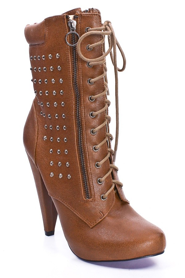 TAN STUDDED LACE UP BOOTS: Shoes Boots Sands, Dresses Black, Awesome Shoes, Cute Boots, Fashion Clothing Shoes Jewelry, Brown Boots, Cowboys Boots, Floral Dresses, Boots Military Style