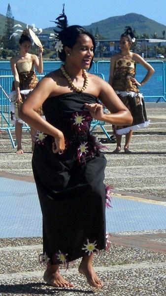 Salon du Turism de Noumea, Danses mélanesiennes