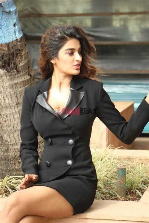 View Photos of Bollywood Actress Nidhi Agarwal.