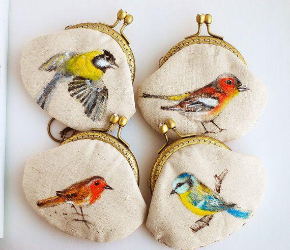 så fint!  Garden bird Hand painted Vintage Purse (made to order)