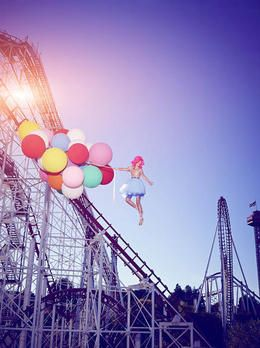 GNTM-Stf09-Epi03-BallonShooting-Stefanie-ProSieben-Brian-Bowen-Smith germanys next topmodel 2014 ballon shooting