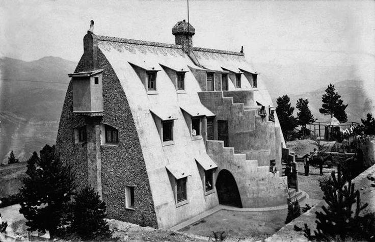 Gaudí: La seva obra: El xalet de Catllaràs 1905- La Pobla de Lillet (Berguedà)
