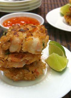 Low FODMAP Recipe and Gluten Free Recipe - Shrimp cakes http://www.ibssano.com/low_fodmap_recipe_shrimp_cakes.html