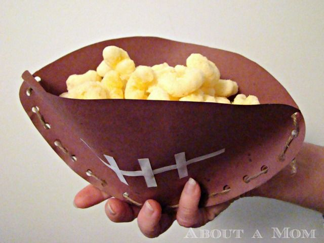 DIY Super Bowl Snack CupsHolding Goodies, Superbowl Snacks, Crafts Ideas, Diy Super Bowls Snacks Cups, Diy Crafts, Football Parties Snacks, Craft Ideas, Football Crafts, Craftideas