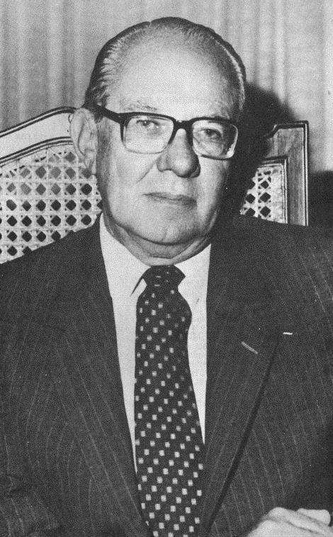 Alfonso López Michelsen 1974-1978 [Bogotá, 30 de junio de 1913 - Bogotá, 11 de julio de 2007. Partido Liberal] Hijo de Alfonso López Pumarejo. Fue elegido para la Cámara por Cundinamarca entre 1960-1962 con el partido Movimiento Revolucionario Liberal. Durante su gobierno presidencial Colombia tuvo una segunda bonanza cafetera y altos niveles de inflación, las mujeres accedieron por primera vez a la carrera militar, se creó el HIMAT (hoy IDEAM), estableció la mayoría de edad a los 18 años.