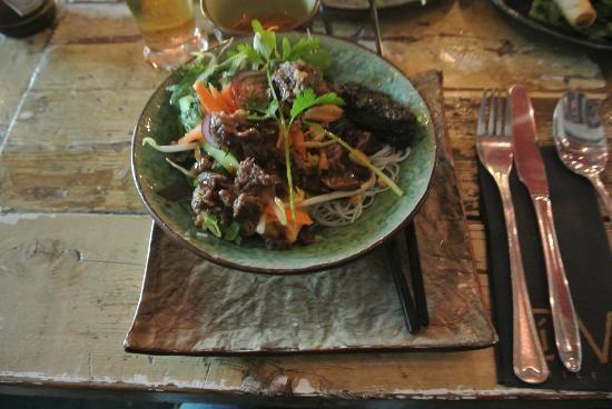 Little V, Den Haag: Bekijk 723 onpartijdige beoordelingen van Little V, gewaardeerd als 4,5 van 5 bij TripAdvisor en als nr. 4 van 1.246 restaurants in Den Haag. </cf>