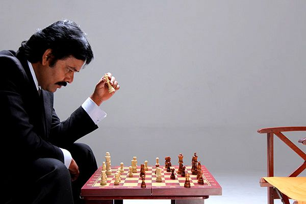 Sathuranga Vettai is the story of a character with practical concept & it is presented to fans in humorous and enjoyable way...