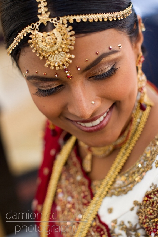 Bindi decoration / headpiece..., What a lovely smile !