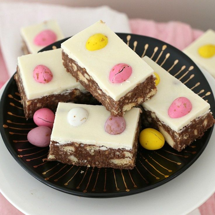 This Chocolate Hedgehog Easter Slice is a fun variation on a classic favourite hedgehog recipe... biscuits, chocolate & coconut with a special Easter twist!