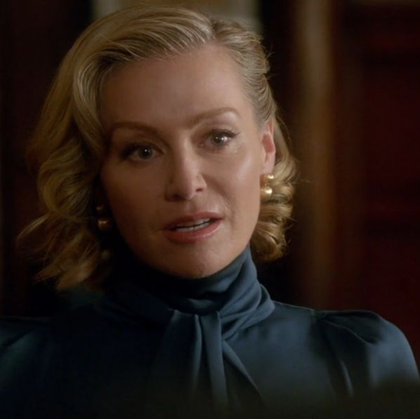 Portia De Rossi, as Elizabeth North on Scandal, was wearing our Marco Bicego Africa Gold Large Drop Earrings! Shop her look now: http://bit.ly/1SwPjPi
