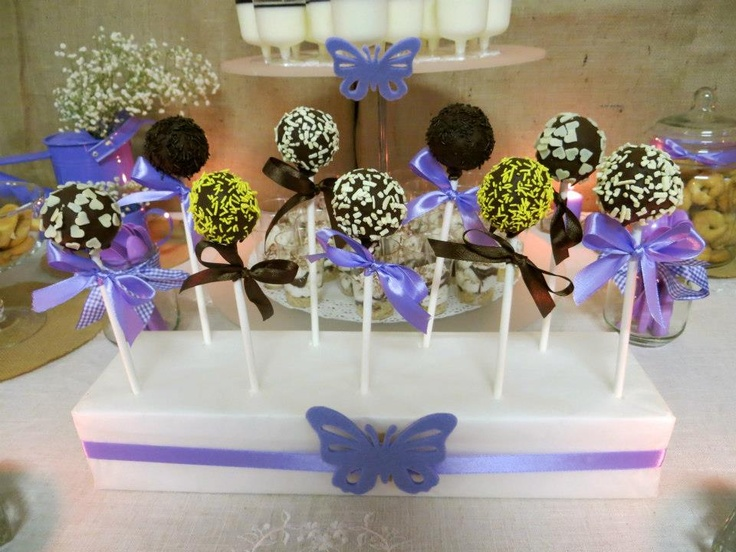 Cake pops By MOMENTI