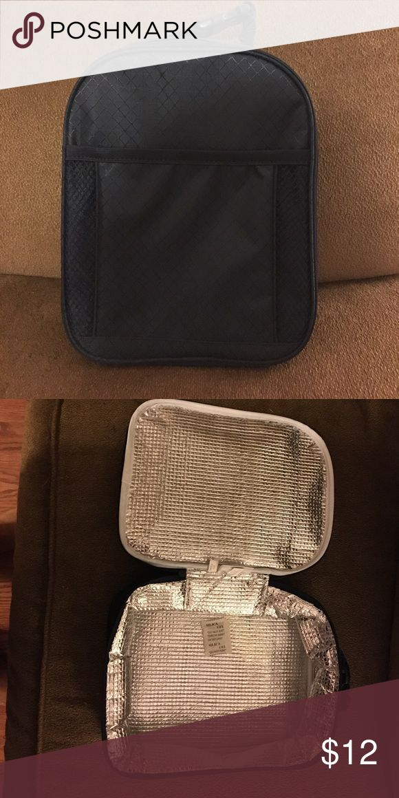 Thirty One Chill-icious lunch box BRAND NEW. navy blue thirty one Bags