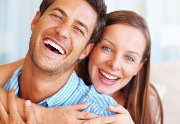 Как выглядеть моложе? Немецкие ученые провели эксперимент: 154 участникам было предложено протестировать 1000 фотографий людей с разным выражением лица и определить их возраст. Выяснилось, что улыбающиеся люди воспринимались значительно моложе своего возраста. Так что улыбайтесь чаще! Сеть стоматологий Космодентис в Невском районе Санкт -Петербурга. Тел 7192633 и 5746602.  #Стоматология #Космодентис #здоровье #зубы #лечениезубов #отбеливаниезубов #улыбка #невскийрайон