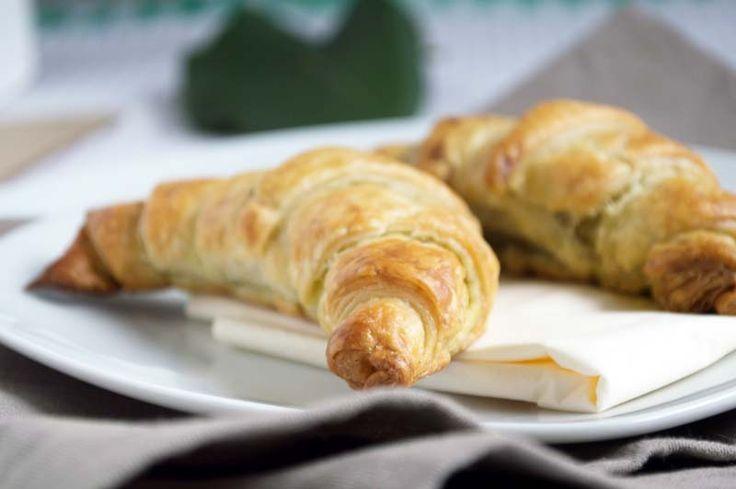 Die #Bärlauchkipferl kann man als Snack oder als Vorspeise servieren. Ein Rezept aus der schnellen Küche.