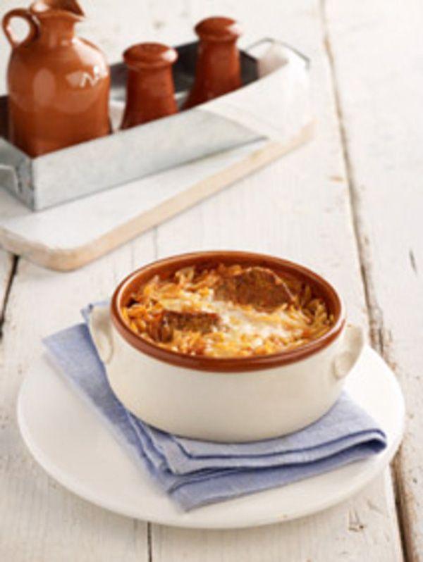 Το απόλυτα διαχρονικό φαγητό του κυριακάτικου οικογενειακού τραπεζιού και όχι μόνο, που είναι και παντός καιρού, καλοδεχούμενο, χειμώνα – καλοκαίρι.